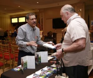 Hamid Muneeb of PSEG chats with Al Lopena.